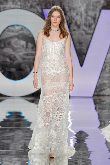 The Sexy & Embellished New Yolan Cris Wedding Dress Collections   SAGRA (1)