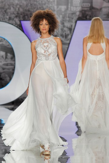 The Sexy & Embellished New Yolan Cris Wedding Dress Collections   YANDRA (1)
