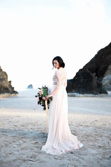 Ethereal Pacific Northwest Beachy Wedding Inspiration   Jessica Lynn Photography 23