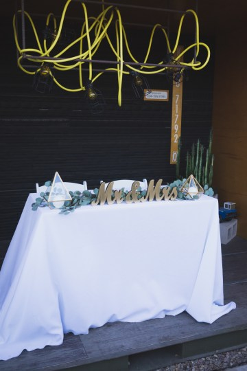 Modern Hip Taco Wedding In A Funky Gallery Venue | Claire Eliza 28