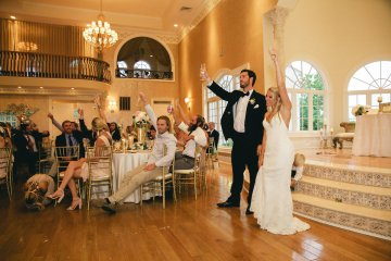 Relaxed Virginia Winery Wedding | Alison Leigh Photography 17