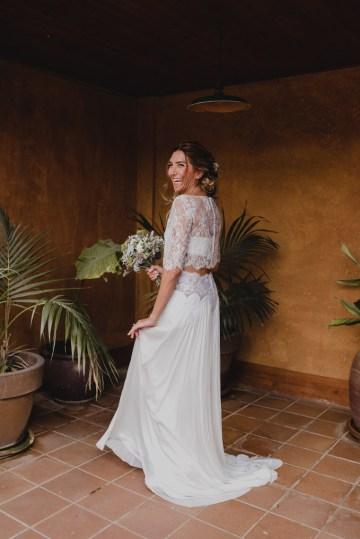 Rustic Barcelona Wedding Featuring Chic Bridal Separates | Visual Foto 24