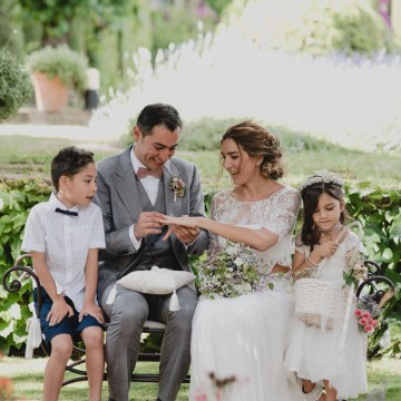 Rustic Barcelona Wedding Featuring Chic Bridal Separates | Visual Foto 27