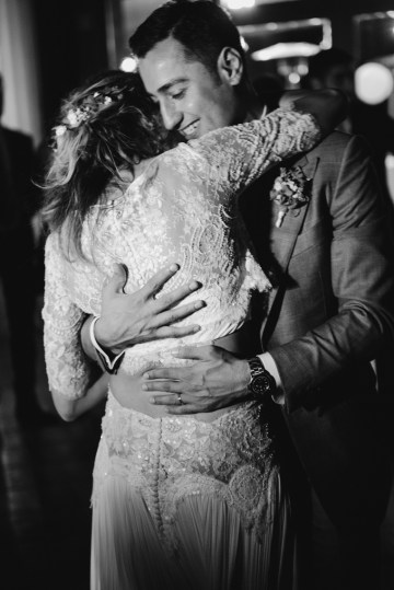 Rustic Barcelona Wedding Featuring Chic Bridal Separates | Visual Foto 42