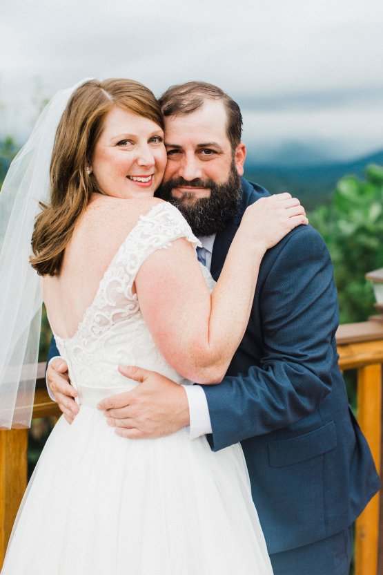 Rustic Carolina Mountain Lodge Wedding | Common Dove Photography 15