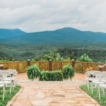 Rustic Carolina Mountain Lodge Wedding | Common Dove Photography 8