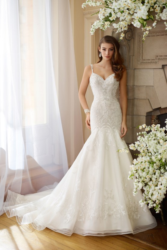 The Best Wedding Dresses For Your Zodiac Sign | Mon Cheri Bridals 13