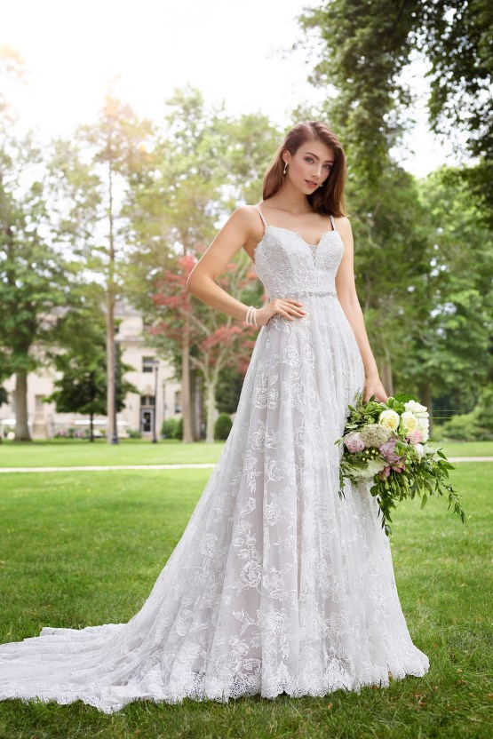 The Best Wedding Dresses For Your Zodiac Sign | Mon Cheri Bridals 8