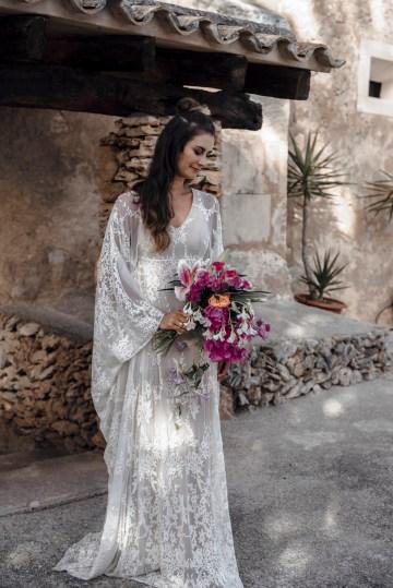Wild, Spanish Wedding Inspiration For Bohemian Brides | IDO Events | Kevin Klein 20