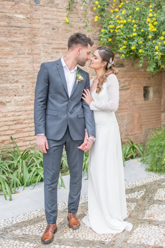 Gilded Arabic & Spanish Wedding Inspiration | Anna + Mateo 36