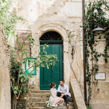 Italian Alleyway Elopement Inspiration | Danielle Smith Photography 17