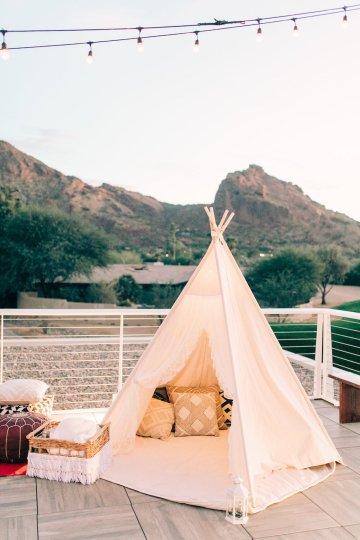 Midcentury Modern Desert Wedding Made Of Boho Dreams | Vienna Glenn 27