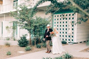 Midcentury Modern Desert Wedding Made Of Boho Dreams | Vienna Glenn 45
