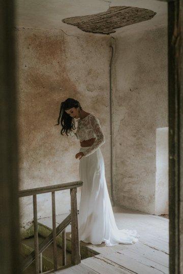 Monstera Leaves & Artichokes; A Hip Slovenian Wedding   Karen Willis Holmes Bridal   Aljosa Videtic 28