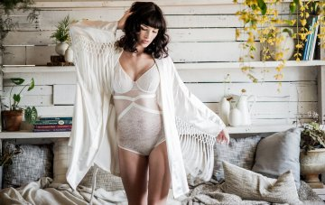 10 Gorgeous Bridal Robes To Get Ready In