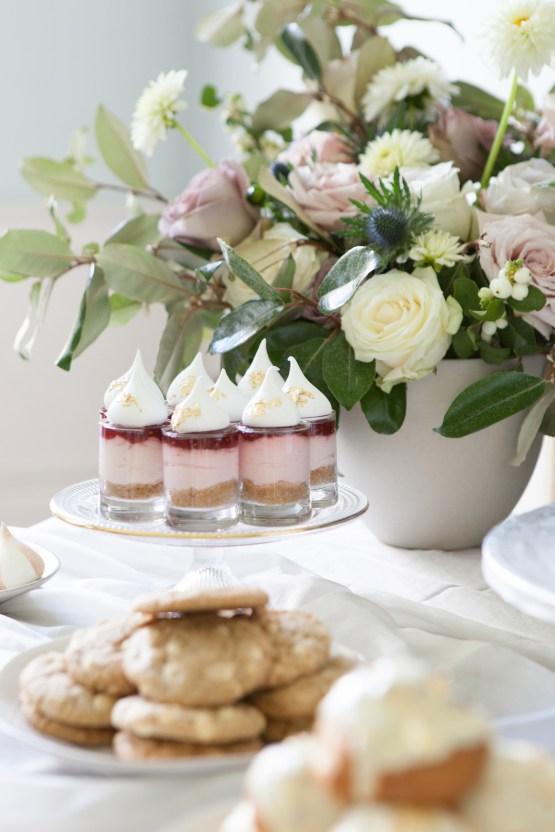 Swanky London Wedding Inspiration Filled With Pretty Dessert Ideas | Amanda Karen Photography 30