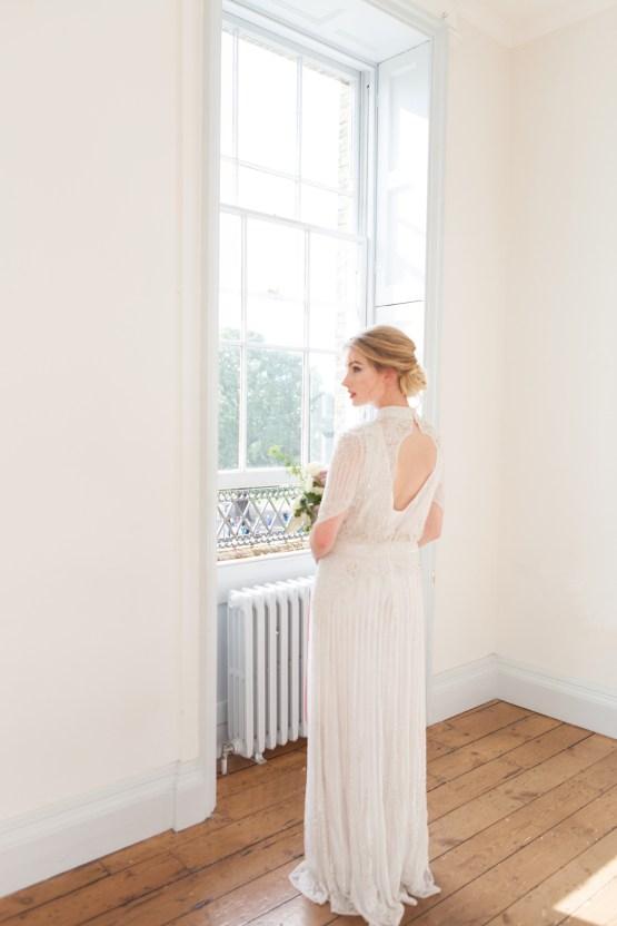 Swanky London Wedding Inspiration Filled With Pretty Dessert Ideas | Amanda Karen Photography 41