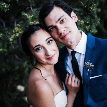 Casual Sedona Red Rocks Wedding (With A Sweet Blush Wedding Dress) | Julia Kinnunen Photography 23