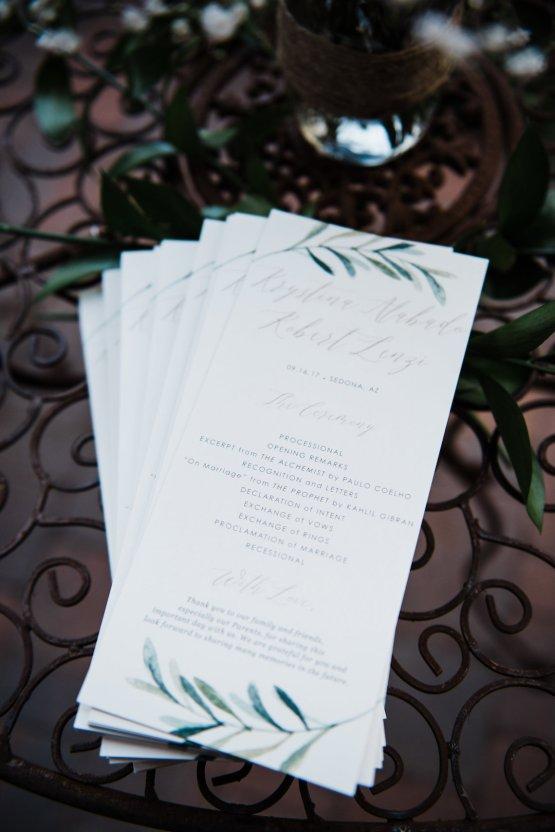Casual Sedona Red Rocks Wedding (With A Sweet Blush Wedding Dress) | Julia Kinnunen Photography 27