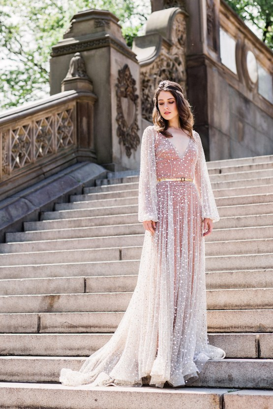 Sparkling Art Deco Wedding Inspiration From NYC | Mibellarosa | Jenny Fu Studio 25