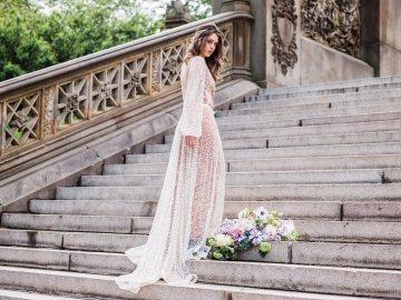 Sparkling Art Deco Wedding Inspiration From NYC | Mibellarosa | Jenny Fu Studio 41