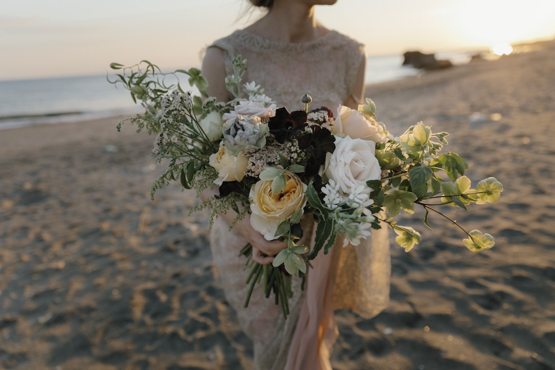 Ancient Rome Meets Mod Yellows & Sophisticated Black In This Timeless Wedding Inspiration | Cinzia Bruschini 11