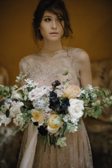 Ancient Rome Meets Mod Yellows & Sophisticated Black In This Timeless Wedding Inspiration | Cinzia Bruschini 34