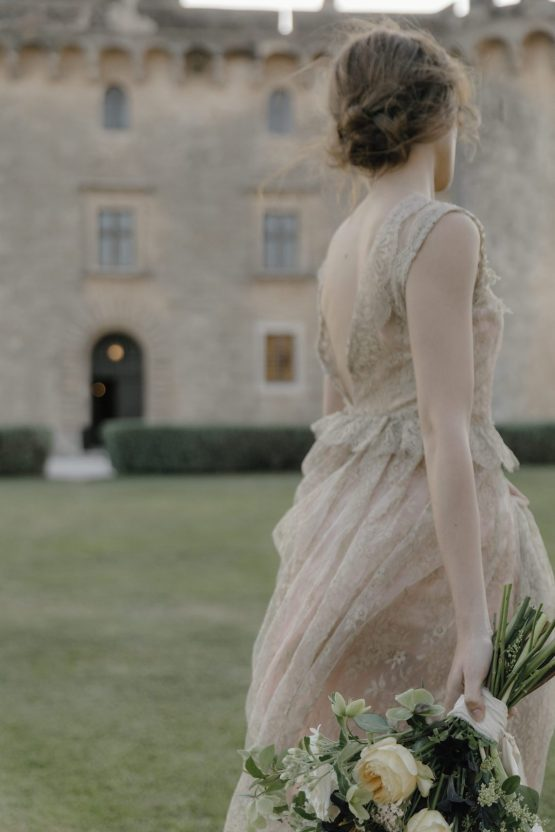 Ancient Rome Meets Mod Yellows & Sophisticated Black In This Timeless Wedding Inspiration | Cinzia Bruschini 43