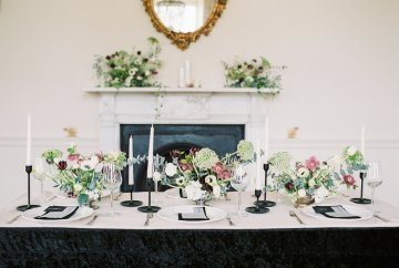 Luxurious Coco Chanel Inspired Wedding Ideas | Bowtie & Belle Photography 39