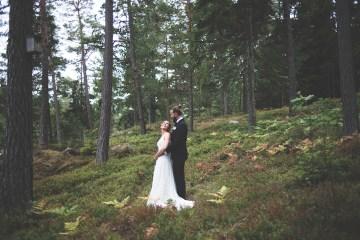 Relaxed & Woodsy Swedish Island Wedding | Sara Kollberg 17