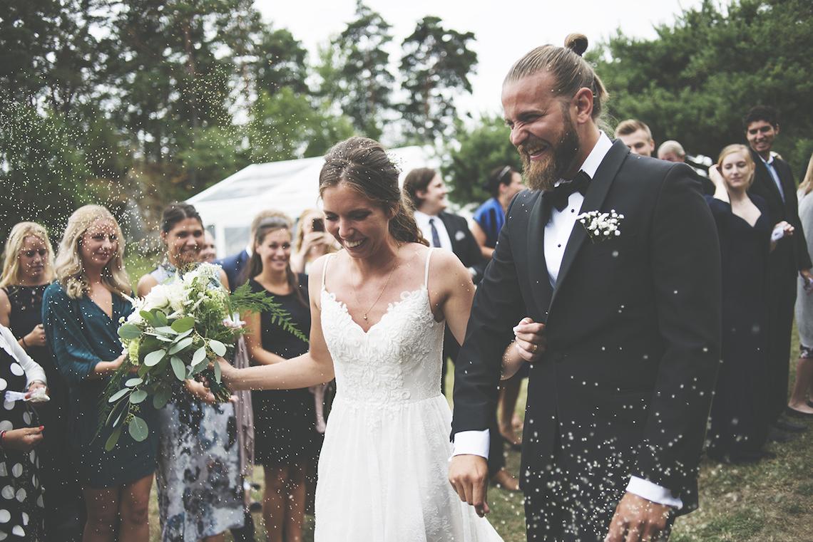 Relaxed & Woodsy Swedish Island Wedding | Sara Kollberg 22