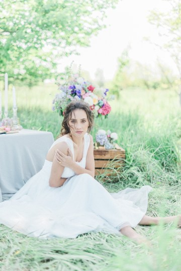Beltane Goddess Bridal Inspiration With Lilacs And Horses – Gabriela Jarkovska 16