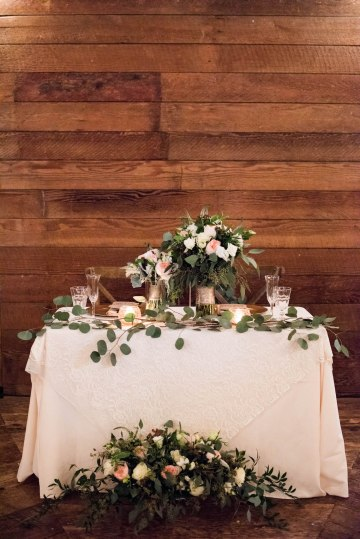 Rustic Barn Wedding Filled With Greenery | Deyla Huss Photography 19