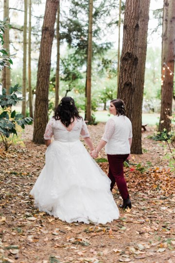 Rustic Barn Wedding Filled With Greenery | Deyla Huss Photography 32