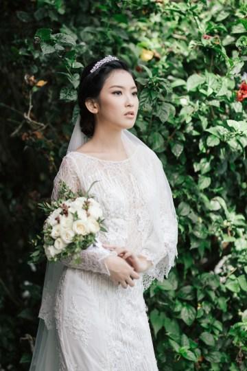Zen Balinese Wedding Inspiration With A Dazzling Tiara | Nej Photo | Chere Weddings 14