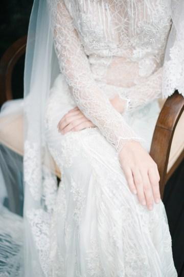 Zen Balinese Wedding Inspiration With A Dazzling Tiara | Nej Photo | Chere Weddings 26