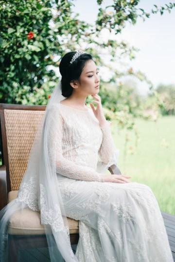 Zen Balinese Wedding Inspiration With A Dazzling Tiara   Nej Photo   Chere Weddings 27