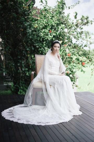 Zen Balinese Wedding Inspiration With A Dazzling Tiara   Nej Photo   Chere Weddings 28