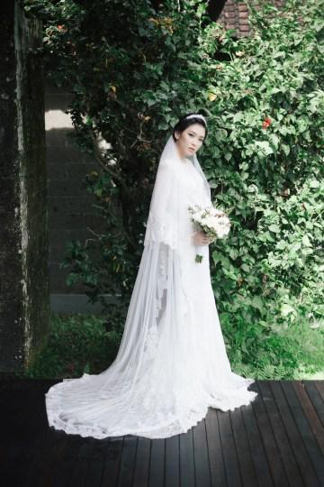 Zen Balinese Wedding Inspiration With A Dazzling Tiara   Nej Photo   Chere Weddings 31