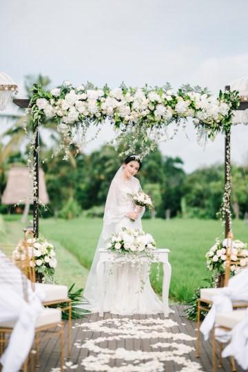 Zen Balinese Wedding Inspiration With A Dazzling Tiara   Nej Photo   Chere Weddings 36