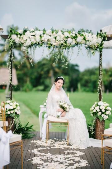 Zen Balinese Wedding Inspiration With A Dazzling Tiara   Nej Photo   Chere Weddings 38