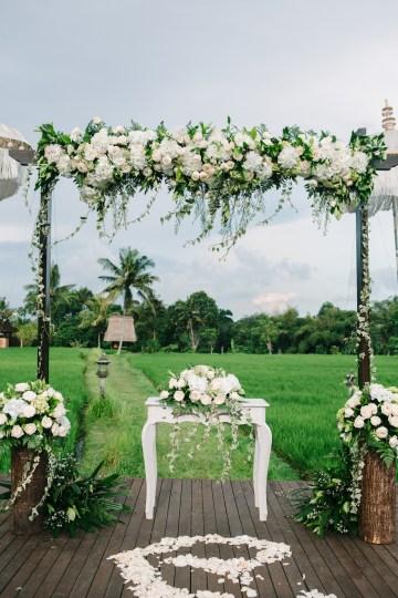 Zen Balinese Wedding Inspiration With A Dazzling Tiara   Nej Photo   Chere Weddings 43