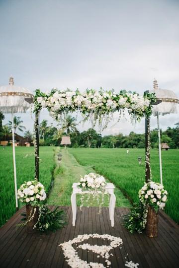Zen Balinese Wedding Inspiration With A Dazzling Tiara   Nej Photo   Chere Weddings 44