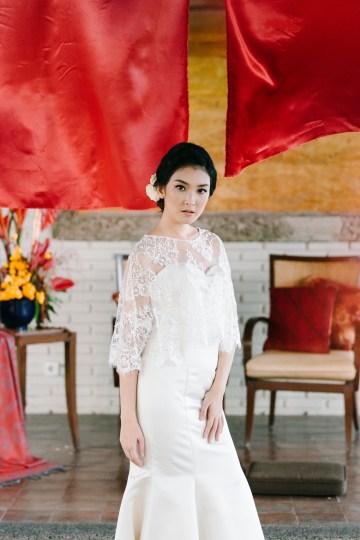 Zen Balinese Wedding Inspiration With A Dazzling Tiara   Nej Photo   Chere Weddings 57
