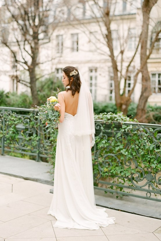 Elegant Blush Parisian Bridal Inspiration Featuring Luxurious Veils and Boudoir Ideas – Bonphotoge 16