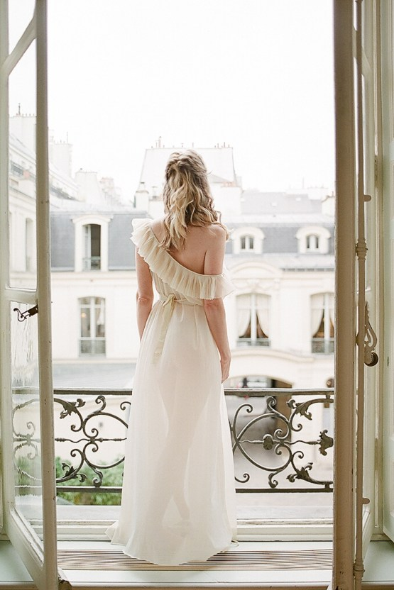 Elegant Blush Parisian Bridal Inspiration Featuring Luxurious Veils and Boudoir Ideas – Bonphotoge 18