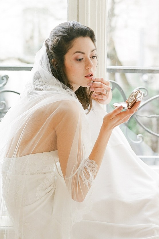 Elegant Blush Parisian Bridal Inspiration Featuring Luxurious Veils and Boudoir Ideas – Bonphotoge 3