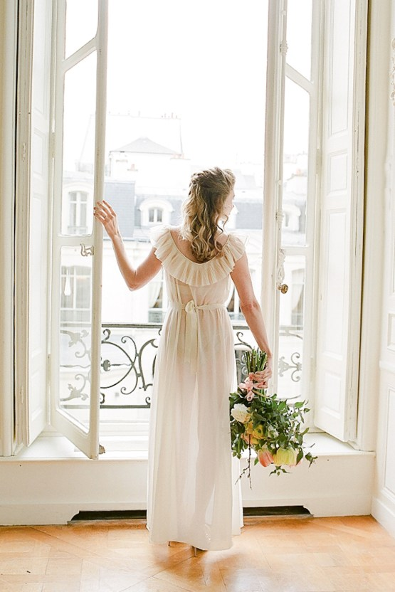 Elegant Blush Parisian Bridal Inspiration Featuring Luxurious Veils and Boudoir Ideas – Bonphotoge 30