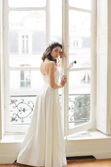 Elegant Blush Parisian Bridal Inspiration Featuring Luxurious Veils and Boudoir Ideas – Bonphotoge 4
