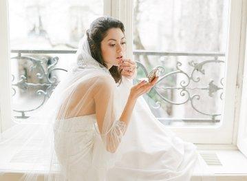 Elegant Blush Parisian Bridal Inspiration Featuring Luxurious Veils and Boudoir Ideas – Bonphotoge 47